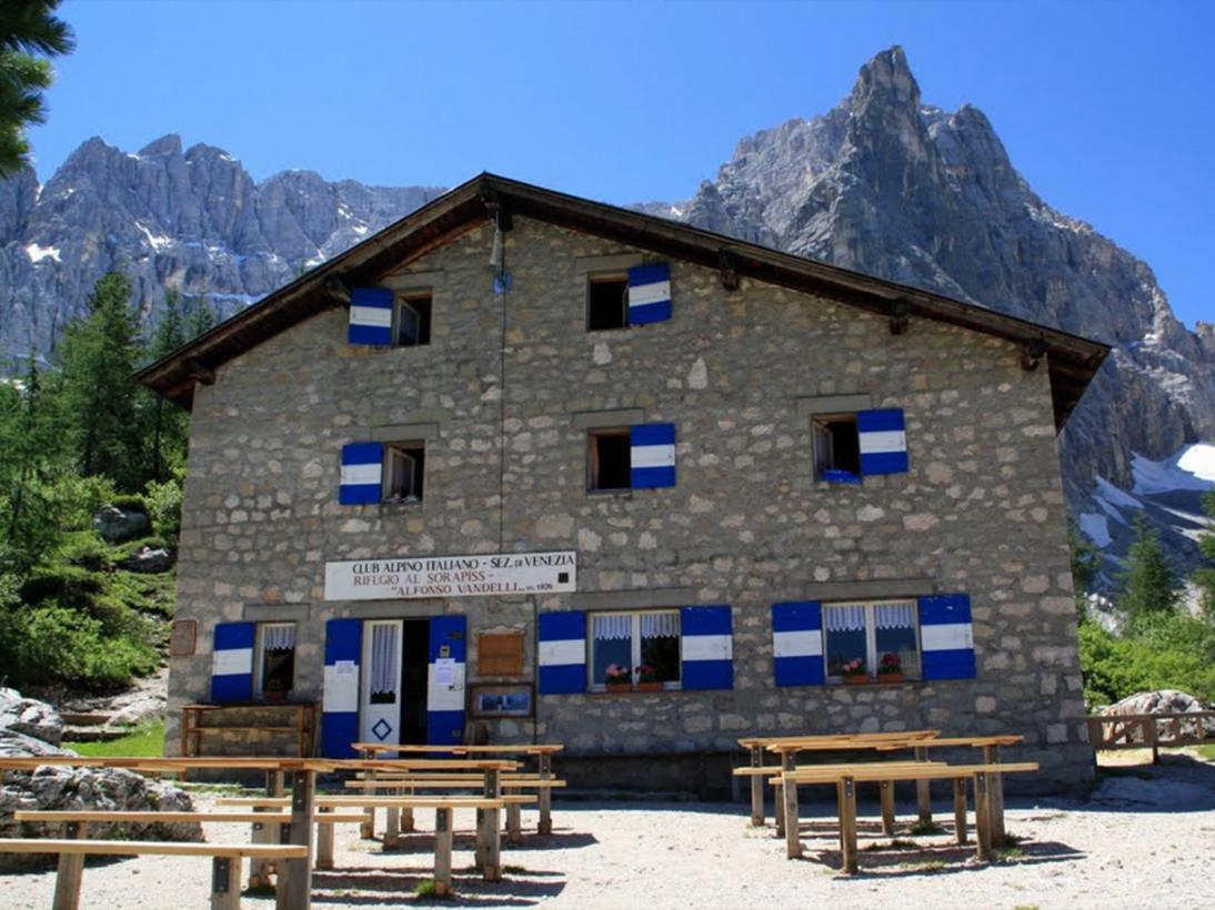 Rifugio Alfonso Vandelli Gruppo del Sorapiss