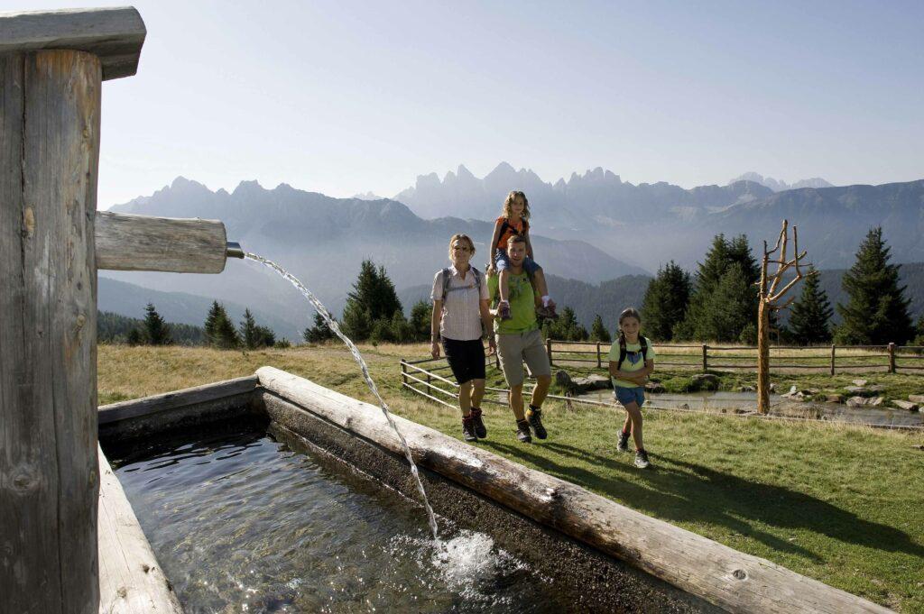 escursioni per tutta la famiglia sui pascoli della Valle Isarco
