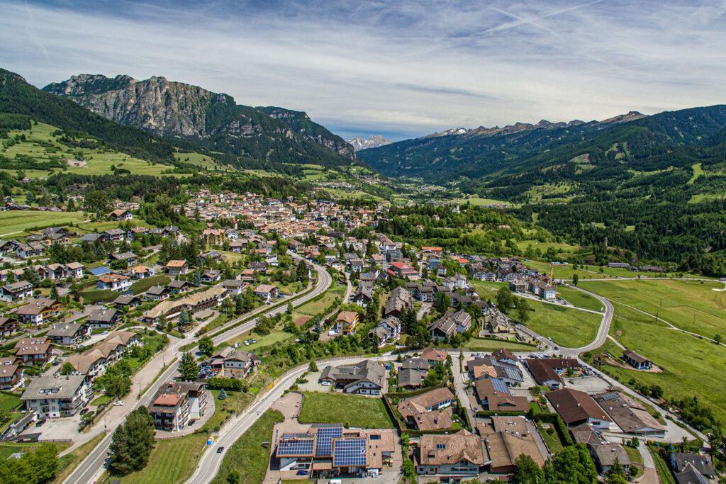Panorama dall'alto sulla Val di Fiemme