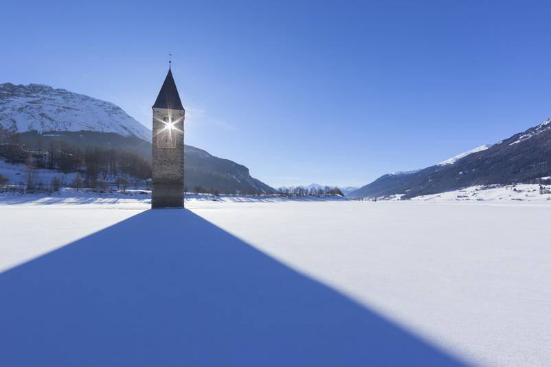 Curon Venosta campanile inverno